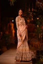 Sabyasachi-at-PCJ-Delhi-Couture-Week-2013-8