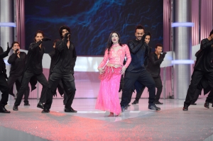Finale Dance Performance featuring Sara Loren (12)