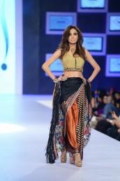 Shehla Chatoor (4)