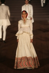 WIFWSS'15D5S5RohitBalRunway044