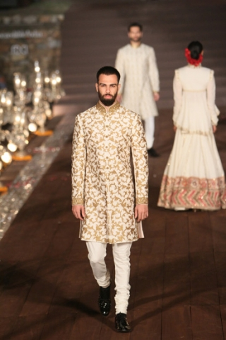 WIFWSS'15D5S5RohitBalRunway052