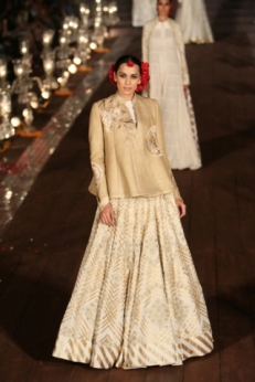 WIFWSS'15D5S5RohitBalRunway079