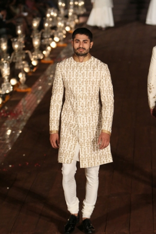 WIFWSS'15D5S5RohitBalRunway102