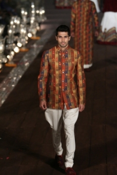 WIFWSS'15D5S5RohitBalRunway124