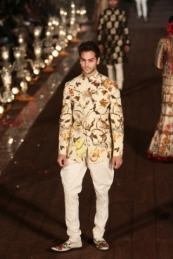WIFWSS'15D5S5RohitBalRunway144