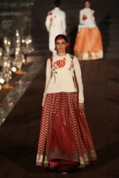 WIFWSS'15D5S5RohitBalRunway162