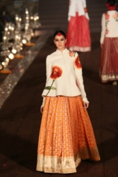 WIFWSS'15D5S5RohitBalRunway168