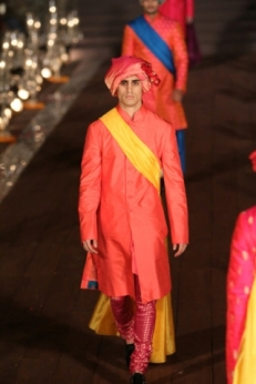 WIFWSS'15D5S5RohitBalRunway178_1