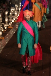 WIFWSS'15D5S5RohitBalRunway200_1