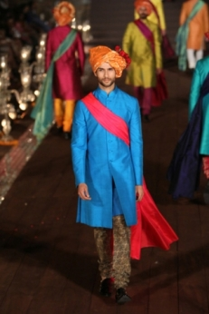 WIFWSS'15D5S5RohitBalRunway210_1