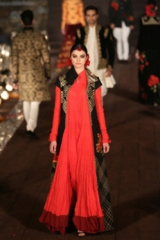 WIFWSS'15D5S5RohitBalRunway258_0