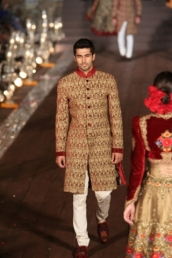WIFWSS'15D5S5RohitBalRunway304