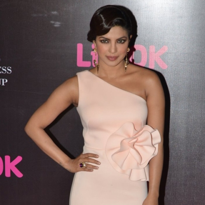 Priyanka-Chopra-in-Gauri-and-Nainika-Screen-Awards-2015SMALL