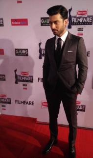 Fawad-Khan-at-red-carpet-of-60th-Filmfare-Awards-in-Mumbai