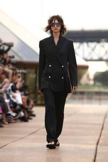 Dion-Lee-Runway-Pictures-Resort-2018-MBFWA (4)